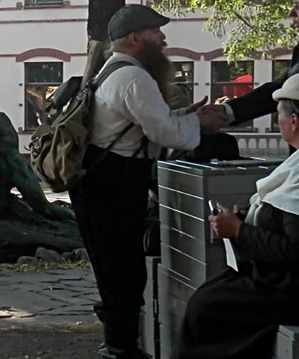 Aadolf Kärki roolissaan Paloposkena.