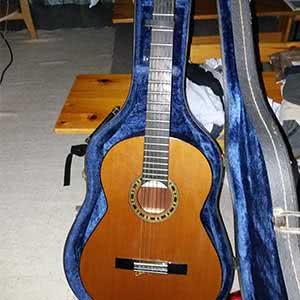 Admira Malaga, kitara.